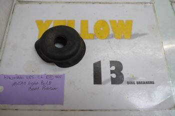 KAWASAKI ER5 C-1 BREAKING.  HEADLIGHT BULB BOOT RUBBER  #5(CON-D)